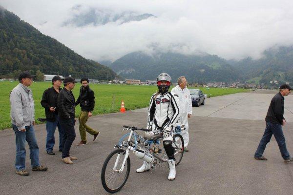Французский велогонщик погиб при попытке установить мировой рекорд