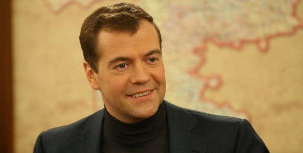 Госдума утвердила Медведева на пост премьер-министра РФ