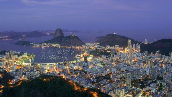 Один человек погиб при падении вертолета в океан у Рио-де-Жанейро