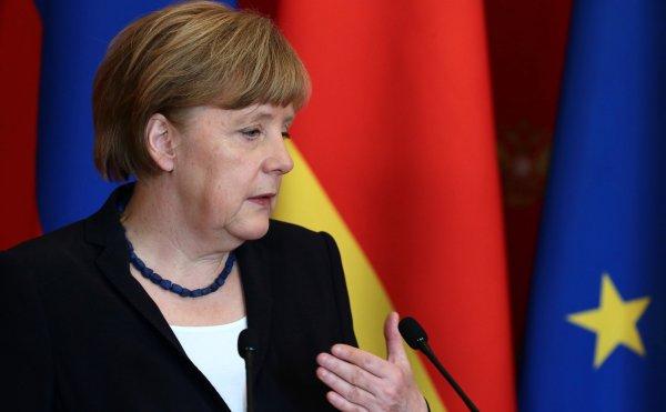 Меркель призвала Европу перестать верить в США