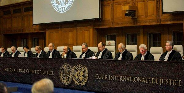 Эксперт назвал политическим решение Гаагского суда по компенсациям Украине из-за Крыма