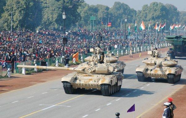В Индии танк Т-90С используют в качестве «кареты» для военачальников