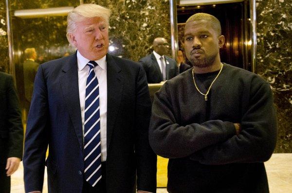 Американцы невзлюбили рэпера Канье Уэста за одобрение Дональда Трампа