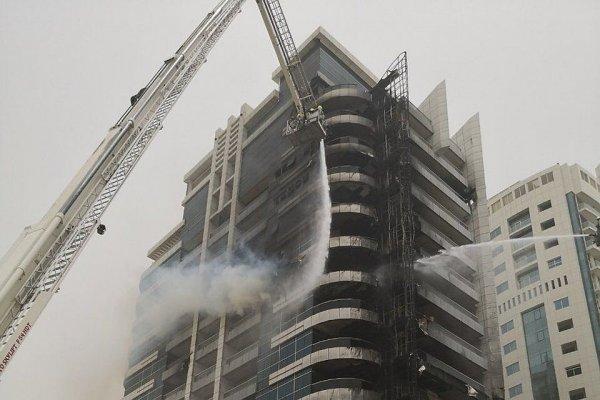 В Дубае потушен пожар в небоскребе