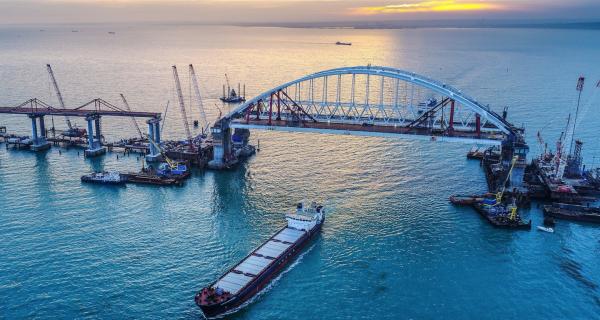 Оппозиционеры России предлагают заплатить Украине за снос Крымского моста