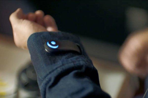 «Умная» куртка от Google и Levi's теперь может вызывать такси