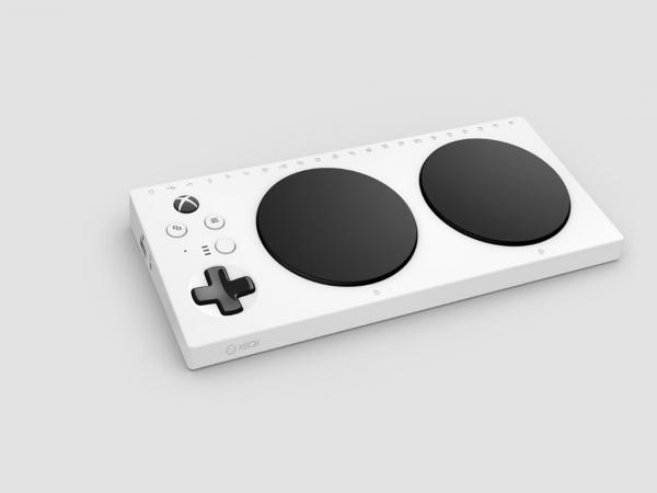 Microsoft выпустит геймпад в Xbox One для людей с ограниченными возможностями