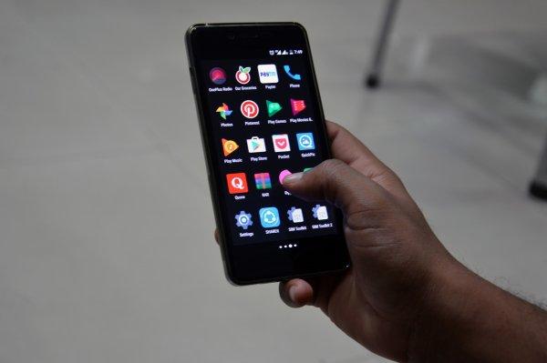 Чиновники начали тестировать российскую ОС для смартфонов