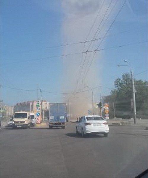 В Петербурге возник «торнадо» на Богатырском проспекте