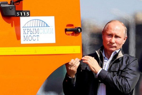 Песков не смог ответить, нарушил ли Путин ПДД за рулем «КамАЗ»