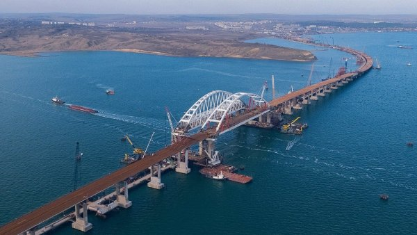 Карты Google не смогли построить маршрут через Крымский мост