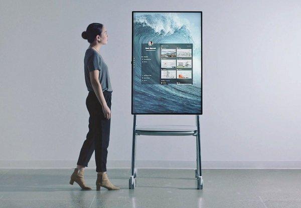 Microsoft  показала настенный компьютер Surface Hub 2