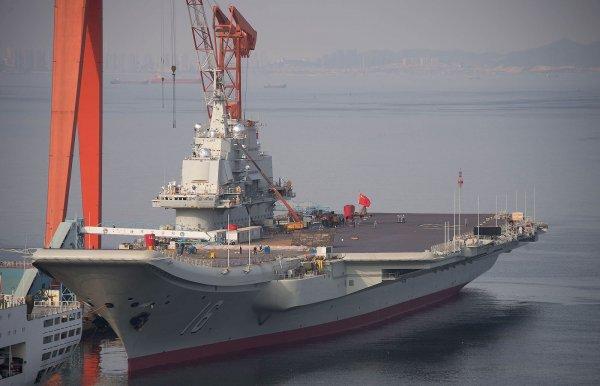 Китай провел первые испытания собственного авианосца