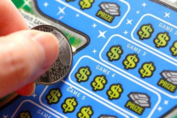 Два дня рождения помогли американцу сорвать джекпот в лотерею