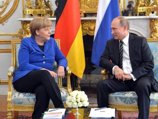 Путин напомнил Меркель, что замены «нормандскому формату» нет