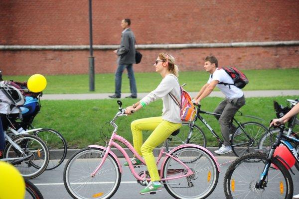 Стриптизер из Москвы участвовал в акции «На работу на велосипеде»