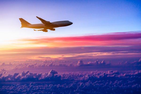 Падение пассажирского самолета на Кубе попало на видео