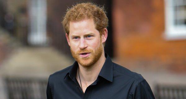 Принц Гарри, несмотря на давление семьи, отказался подписывать брачный контракт с Меган Маркл