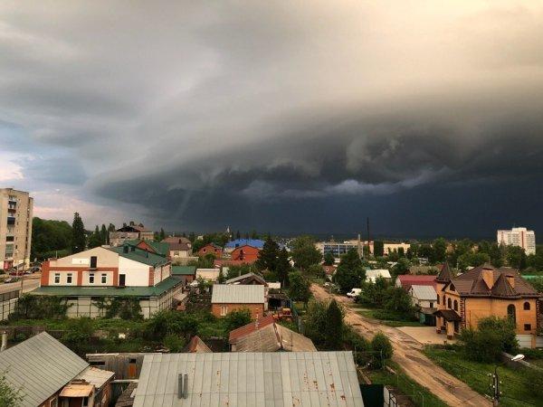 «Зловещее» небо над Ельцем поразило пользователей Сети
