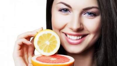 Названы самые вредные продукты для зубной эмали
