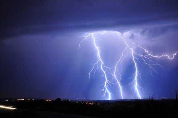 В Германии молния поразила двух девушек, делавших селфи