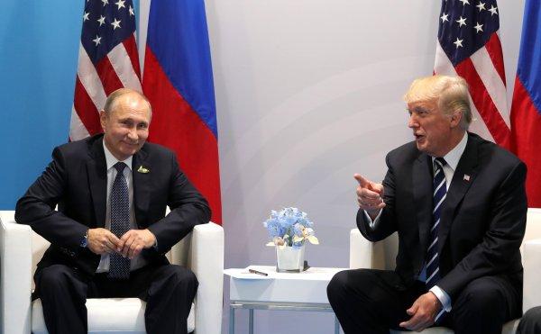 Политолог США призвал Запад к диалогу с Россией