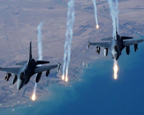 Израиль выпустил около 25 ракет по объектам ХАМАС в секторе Газа