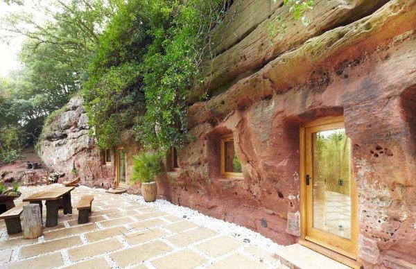 В Англии сдается уникальный дом в 800-летней пещере за 195 фунтов в сутки