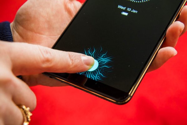 Samsung Galaxy S10 получит ультразвуковой сканер отпечатков