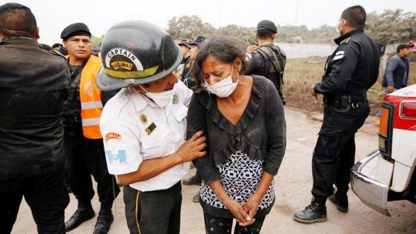 Число жертв извержения вулкана в Гватемале достигло 38