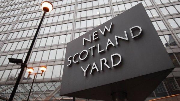 Скотленд-Ярд опросил 900 свидетелей по делу Скрипалей