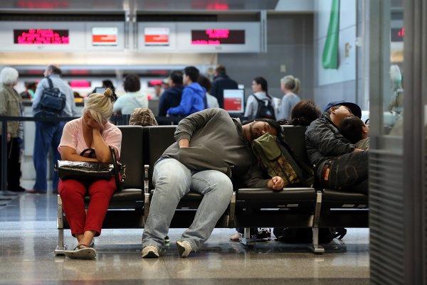 Авиакомпании задолжали россиянам 300 млн рублей за отмененные рейсы