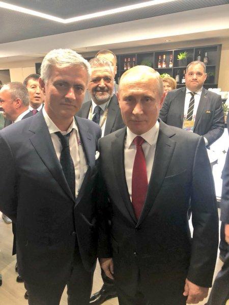 Владимир Путин познакомился с Жозе Моуринью на открытии ЧМ-2018