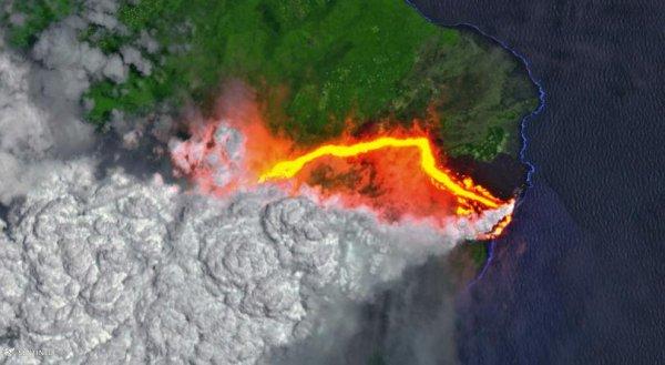 Снимок вулкана Килауэа из космоса показал маршрут движения лавы