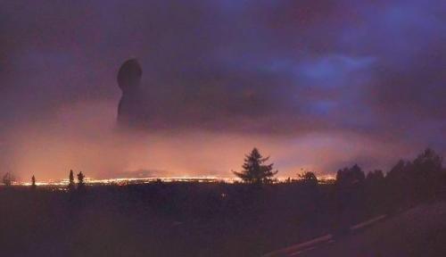 На Аляске мужчина сфотографировал необычный огромный силуэт