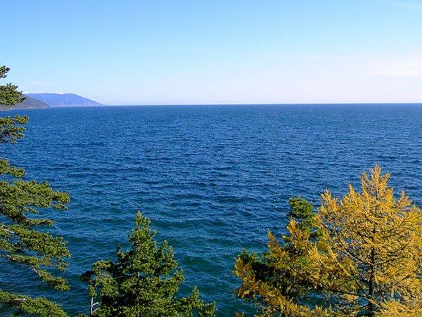Водолазы обнаружили на дне Байкала вековой якорь