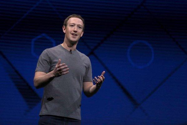 Facebook тестирует программу платного контента в группах