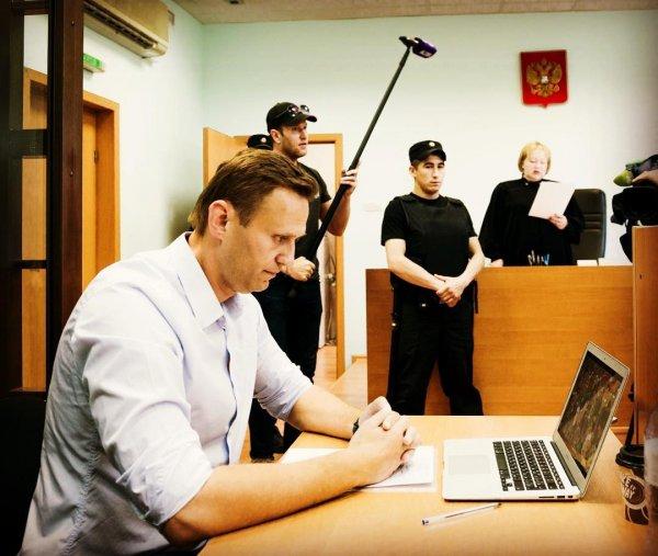 Суд заставил Навального выплатить 1 рубль по иску Порохова