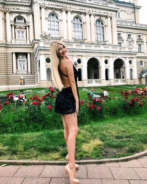 Дал добро: Юрий Дудь разрешил российским девушкам заниматься сексом с иностранцами