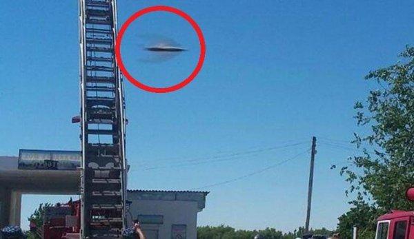 Крылатый НЛО заметили на учениях МЧС в Узбекистане