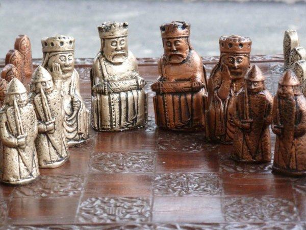 В Шотландии нашли древнюю доску шахмат викингов