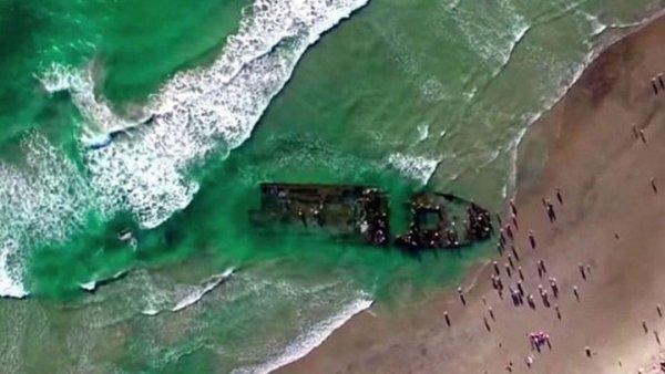 «Летучий кореец»: К берегам Японии пришвартовался корабль-призрак из Северной Кореи