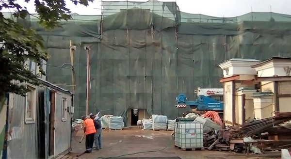 «Ужасный цинизм»: Никита Михалков раскритиковал строительство «Ельцин-центра»