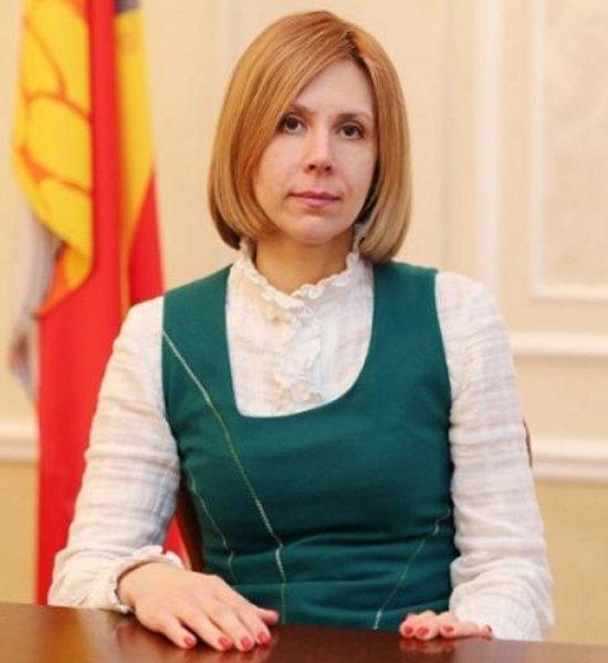 «Блатная» чиновница уйдет из мэрии Воронежа после отпуска