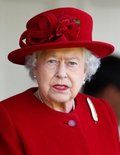 Королева Елизаветы II оскорбила жениха своей внучки принцессы Евгении