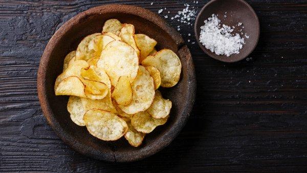 Диетологи: чипсы вполне полезная пища