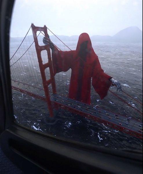 Видео со смертью в красном плаще у моста в Сан-Франциско испугало пользователей Сети