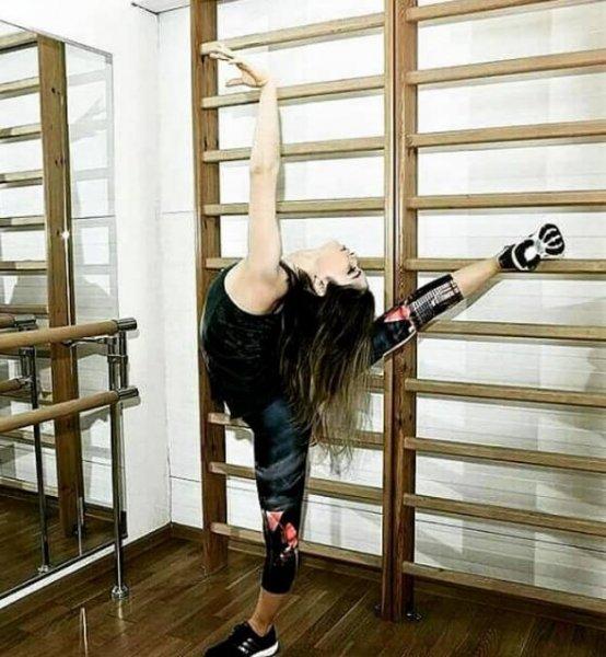 Фигуристка Липницкая удивила растяжкой, как у балерины Волочковой