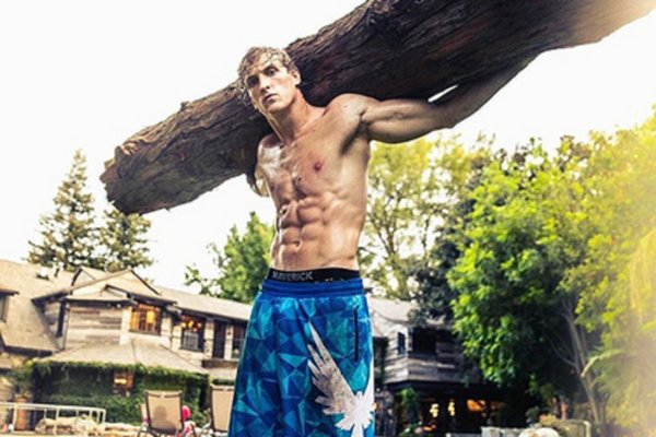 Звезда YouTube вызвал на бой семикратного чемпиона-рестлера по правилам MMA
