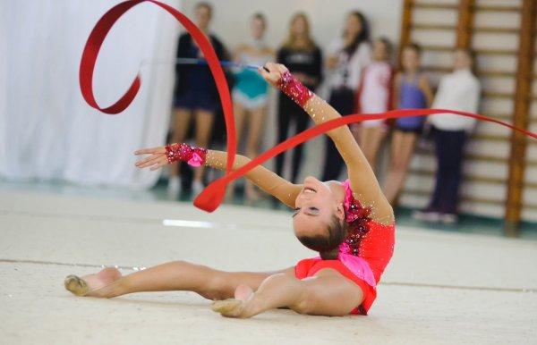 «Хочешь привлечь – будь красивой»: В Сети раскрыли секрет успеха в художественной гимнастике